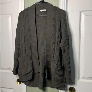 *AMERICAN EAGLE OUTFITTERS SUPER SOFT CARDIGAN*